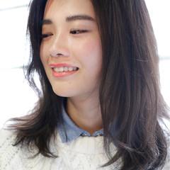 縮毛矯正 ストレート アッシュ セミロング ヘアスタイルや髪型の写真・画像