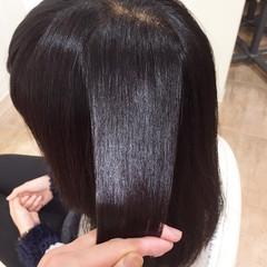 セミロング イルミナカラー エレガント 髪質改善トリートメント ヘアスタイルや髪型の写真・画像