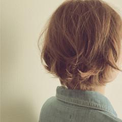 ショート インナーカラー 小顔 パーマ ヘアスタイルや髪型の写真・画像