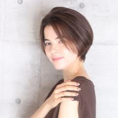 ベリーショート ミニボブ ショートヘア フェミニン ヘアスタイルや髪型の写真・画像