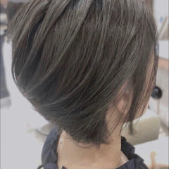 ミニボブ ベリーショート 切りっぱなしボブ エレガント ヘアスタイルや髪型の写真・画像