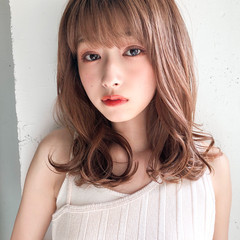 ミディアムレイヤー 鎖骨ミディアム ナチュラル 大人かわいい ヘアスタイルや髪型の写真・画像