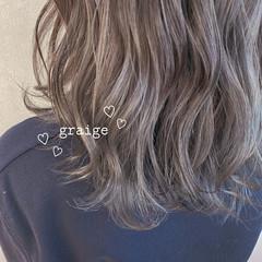 ミディアム アッシュグレージュ グレージュ モード ヘアスタイルや髪型の写真・画像
