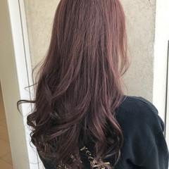 艶髪 ロング 大人女子 ベリーピンク ヘアスタイルや髪型の写真・画像