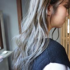 透明感 透明感カラー くすみカラー アンニュイほつれヘア ヘアスタイルや髪型の写真・画像
