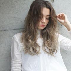 ハイライト 外国人風 ロング 冬 ヘアスタイルや髪型の写真・画像