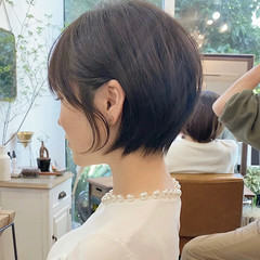 ベージュ ショートヘア ナチュラル アッシュベージュ ヘアスタイルや髪型の写真・画像
