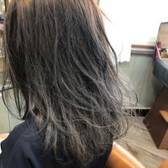 アッシュ ナチュラル セミロング グレージュ ヘアスタイルや髪型の写真・画像