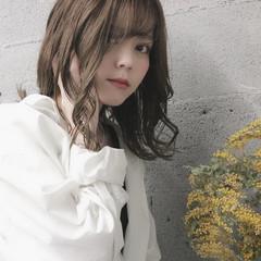 ミディアム 透明感カラー ナチュラル ヘアカラー ヘアスタイルや髪型の写真・画像