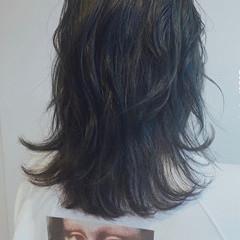 ミディアム ネイビーブルー ネイビー ネイビーカラー ヘアスタイルや髪型の写真・画像
