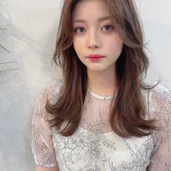 ウルフカット センターパート 韓国風ヘアー セミロング ヘアスタイルや髪型の写真・画像