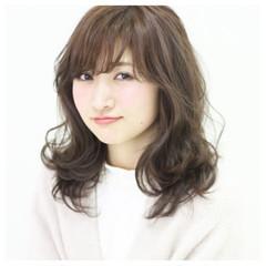 大人かわいい ガーリー 外ハネ アッシュ ヘアスタイルや髪型の写真・画像
