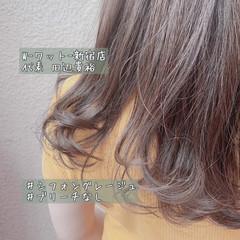 グレージュ ミルクティーグレージュ ロング ナチュラル ヘアスタイルや髪型の写真・画像