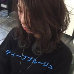 ミディアム 暗髪 ハイライト ナチュラル ヘアスタイルや髪型の写真・画像