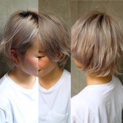 前髪あり くせ毛風 ショート アッシュ ヘアスタイルや髪型の写真・画像