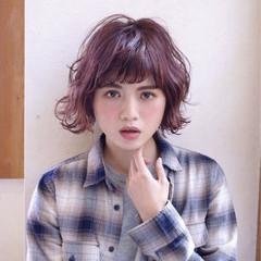 レッド 外ハネ 外国人風 抜け感 ヘアスタイルや髪型の写真・画像