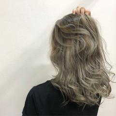 セミロング ハイライト グラデーションカラー エレガント ヘアスタイルや髪型の写真・画像