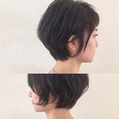 ニュアンス くせ毛風 ショート ナチュラル ヘアスタイルや髪型の写真・画像