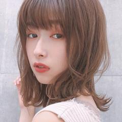 デート オフィス ミディアム アンニュイほつれヘア ヘアスタイルや髪型の写真・画像