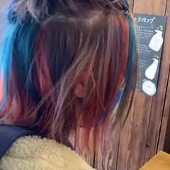 ネイビーブルー 切りっぱなしボブ ブリーチオンカラー オレンジ ヘアスタイルや髪型の写真・画像