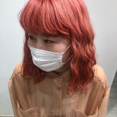 ピンクベージュ コーラル コーラルピンク ハイトーン ヘアスタイルや髪型の写真・画像