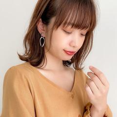 フェミニン 外ハネ 大人可愛い デジタルパーマ ヘアスタイルや髪型の写真・画像