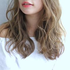 ロング パーマ グラデーションカラー 外国人風 ヘアスタイルや髪型の写真・画像