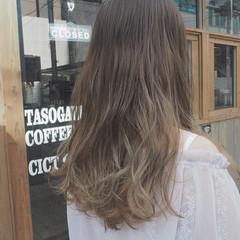 グラデーションカラー ロング 秋 リラックス ヘアスタイルや髪型の写真・画像