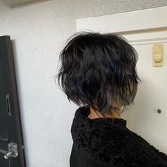 インナーカラー デザインカラー スライシングハイライト 切りっぱなしボブ ヘアスタイルや髪型の写真・画像