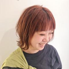オレンジカラー ボブ ウルフカット オレンジブラウン ヘアスタイルや髪型の写真・画像