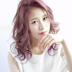 フェミニン ラベンダーピンク ヘアアレンジ パープル ヘアスタイルや髪型の写真・画像