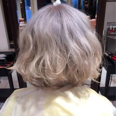フェミニン ゆるふわ くせ毛風 ボブ ヘアスタイルや髪型の写真・画像