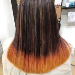 ビビッドカラー セミロング モード オレンジ ヘアスタイルや髪型の写真・画像