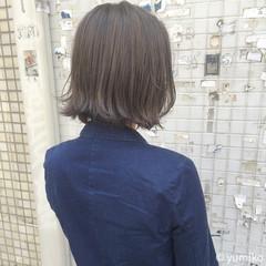 ブリーチ ボブ グレー 暗髪 ヘアスタイルや髪型の写真・画像