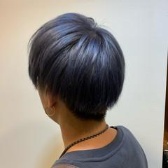 シルバー 刈り上げショート 韓国風ヘアー ショート ヘアスタイルや髪型の写真・画像