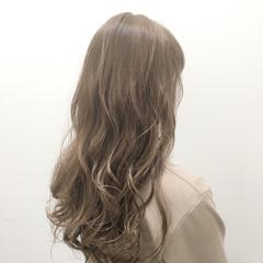 渋谷系 ロング ベージュ 外国人風 ヘアスタイルや髪型の写真・画像