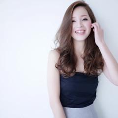 外国人風 アッシュ コンサバ ロング ヘアスタイルや髪型の写真・画像