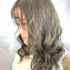 ブリーチカラー ブリーチオンカラー ガーリー ブリーチ ヘアスタイルや髪型の写真・画像