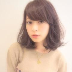 暗髪 外ハネ 大人かわいい 黒髪 ヘアスタイルや髪型の写真・画像