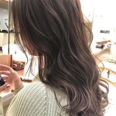 ヌーディベージュ 大人ハイライト ハイライト ロング ヘアスタイルや髪型の写真・画像