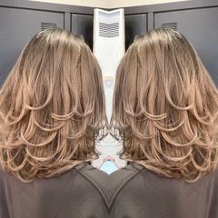 ミディアム ミディアムレイヤー 外国人風カラー レイヤースタイル ヘアスタイルや髪型の写真・画像