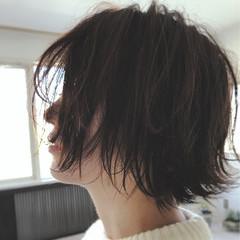 外ハネ ボブ ショート ナチュラル ヘアスタイルや髪型の写真・画像
