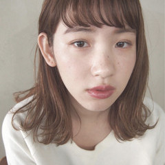 小顔 ストレート ミディアム 前髪あり ヘアスタイルや髪型の写真・画像