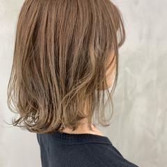 切りっぱなしボブ ミディアム アンニュイ ナチュラル ヘアスタイルや髪型の写真・画像