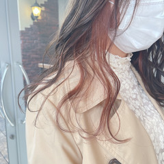 ロング デザインカラー アンニュイほつれヘア ミルクグレージュ ヘアスタイルや髪型の写真・画像