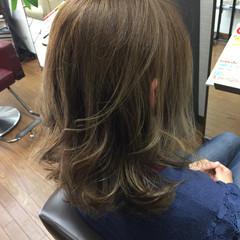 グラデーションカラー セミロング ダブルカラー 上品 ヘアスタイルや髪型の写真・画像