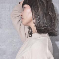 ボブ バレイヤージュ ナチュラル グレージュ ヘアスタイルや髪型の写真・画像