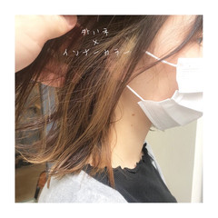ツヤ髪 インナーカラー セミロング ツヤツヤ ヘアスタイルや髪型の写真・画像