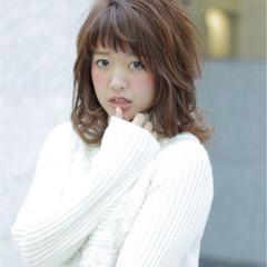 グラデーションカラー ミディアム ゆるふわ 外国人風 ヘアスタイルや髪型の写真・画像