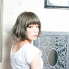 ふわふわ 前髪パッツン ショート モード ヘアスタイルや髪型の写真・画像
